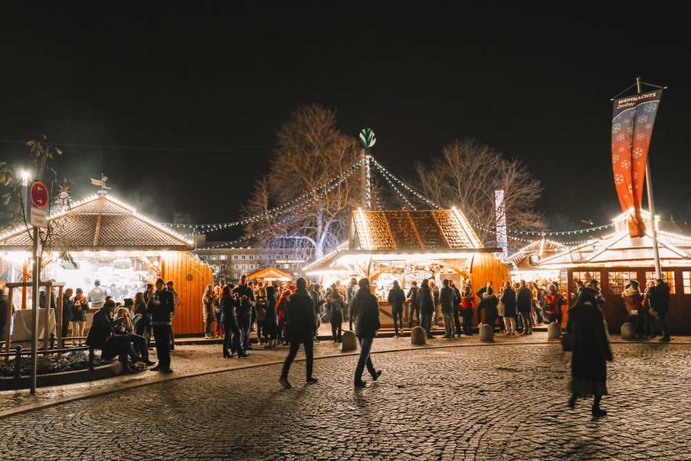Stuttgart Christmas Market and The Mercedes Benz Museum (1)
