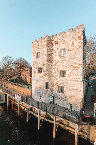 Exploring The Beautiful Ancient City Of York, England (33)