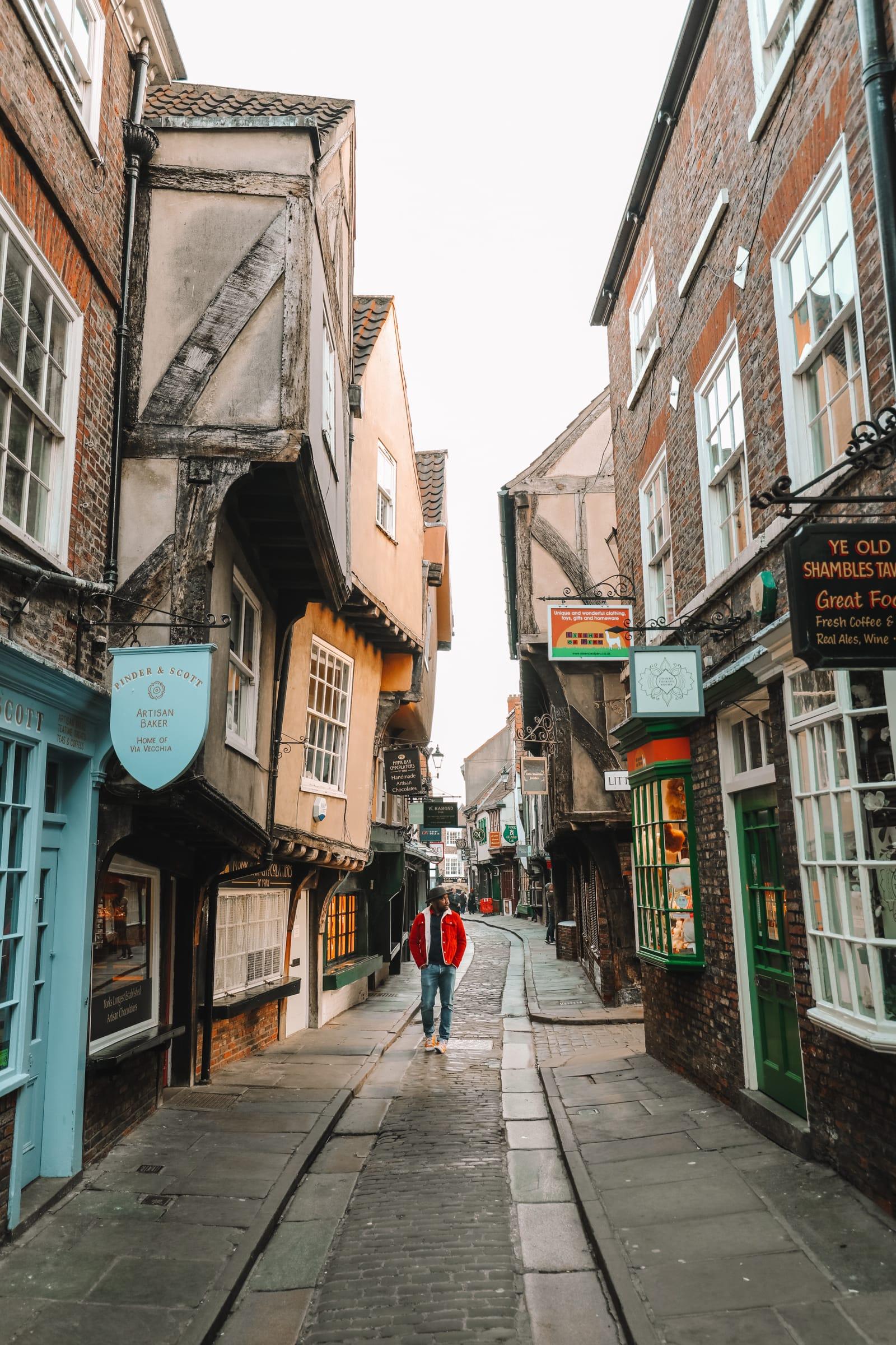 Exploring The Beautiful Ancient City Of York, England (41)