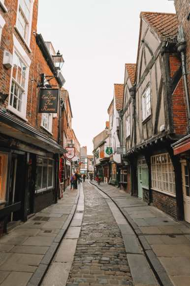 Exploring The Beautiful Ancient City Of York, England (42)