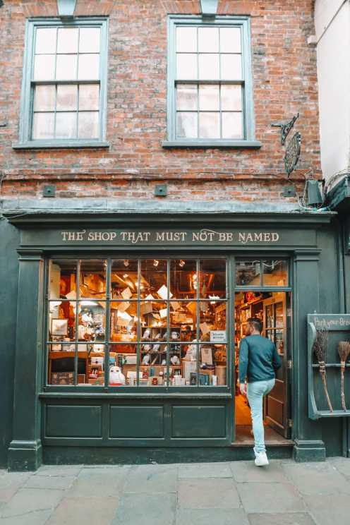 Exploring The Beautiful Ancient City Of York, England (43)