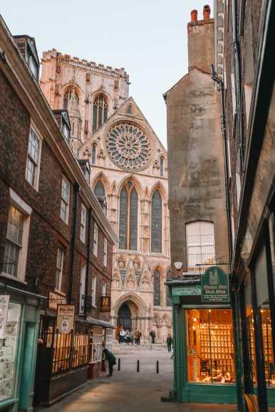 Exploring The Beautiful Ancient City Of York, England (50)