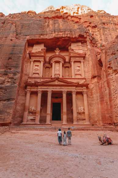 What Is It Like To Visit Petra In Jordan For The First Time? (17)