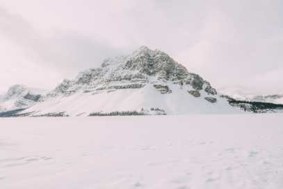 Driving Canada's Epic Icefields Parkway And Finding The Frozen Bubbles Of Abraham Lake (10)