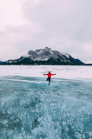 Driving Canada's Epic Icefields Parkway And Finding The Frozen Bubbles Of Abraham Lake (28)