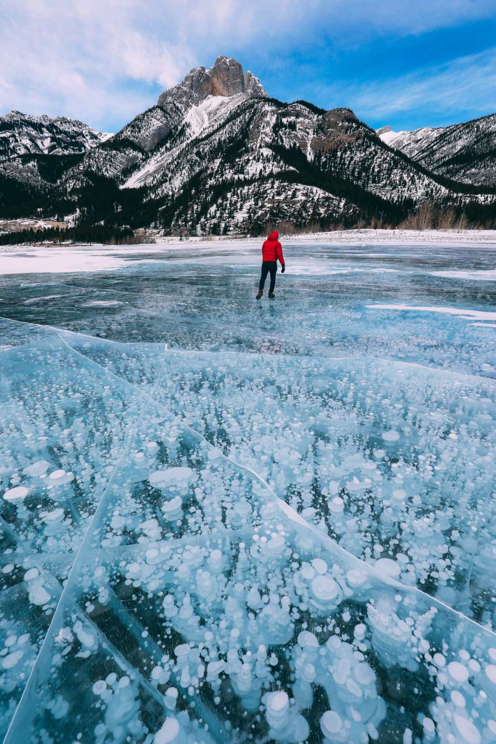 Driving Canada's Epic Icefields Parkway And Finding The Frozen Bubbles Of Abraham Lake (40)