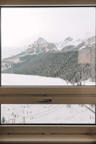 The Magnificent Fairmont Chateau Lake Louise (9)