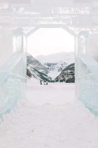 The Magnificent Fairmont Chateau Lake Louise (17)