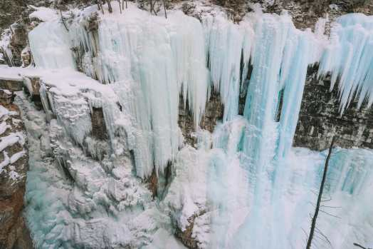 Hiking Johnston Canyon And Seeing The Northern Lights Over Canada (20)