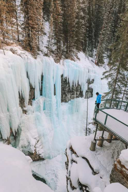 Hiking Johnston Canyon And Seeing The Northern Lights Over Canada (24)