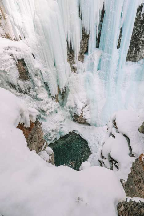 Hiking Johnston Canyon And Seeing The Northern Lights Over Canada (25)