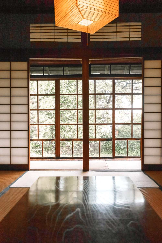 Temple Searching And Traditional Ryokans In Yokohama - Japan (1)