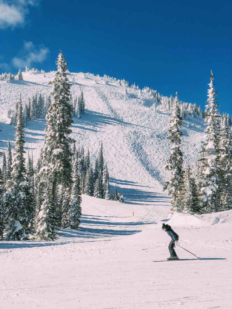 10 Beautiful And Best Places To Ski This Year (4)