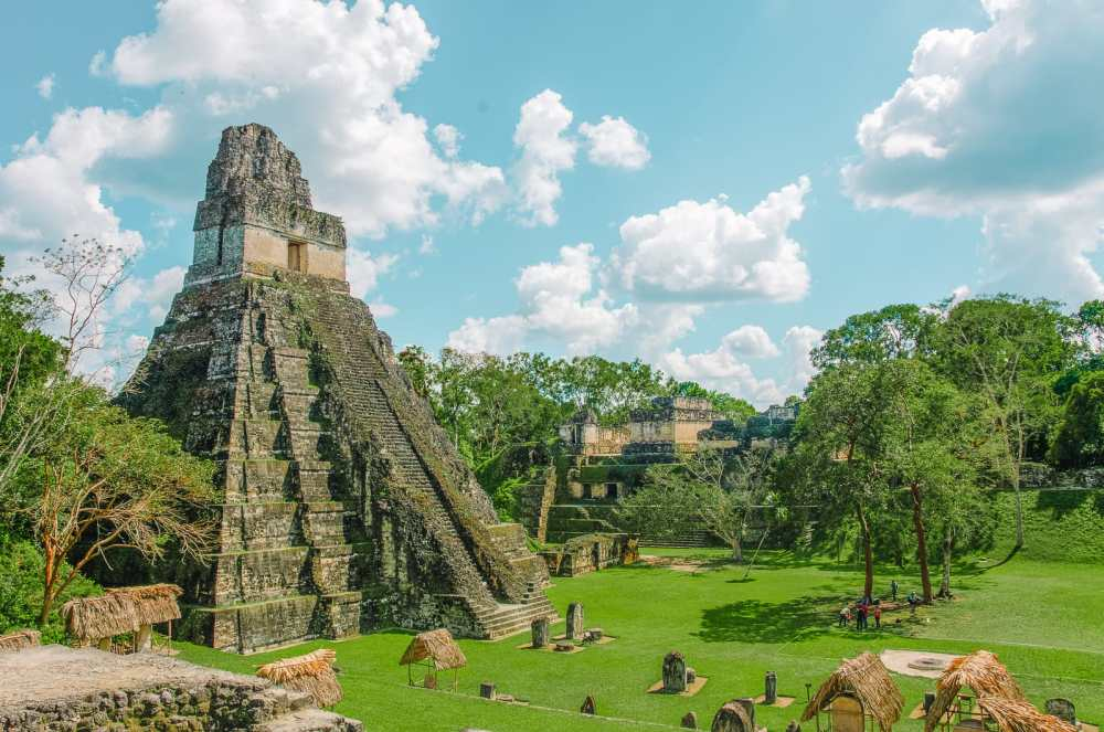Guatemala Travel: 13 Amazing Mayan Ruins You HAVE To Visit! (12)