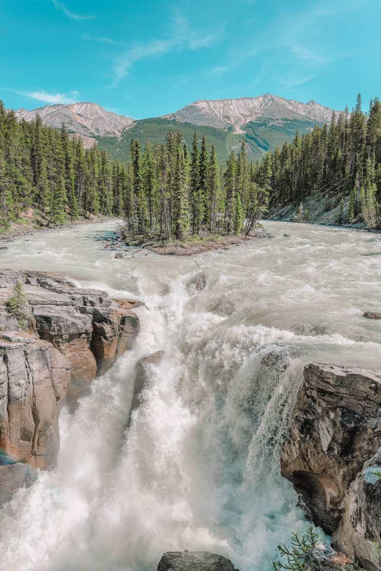 11 Best Hikes In Alberta (10)