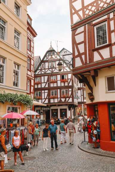 The Incredible Moselle Loop And Beautiful Town Of Bernkastel Kues In Germany (13)