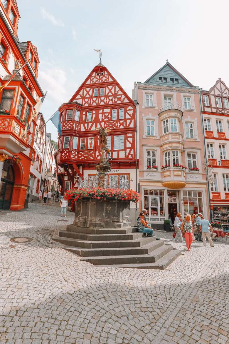 The Incredible Moselle Loop And Beautiful Town Of Bernkastel Kues In Germany (14)