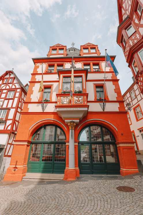 The Incredible Moselle Loop And Beautiful Town Of Bernkastel Kues In Germany (16)
