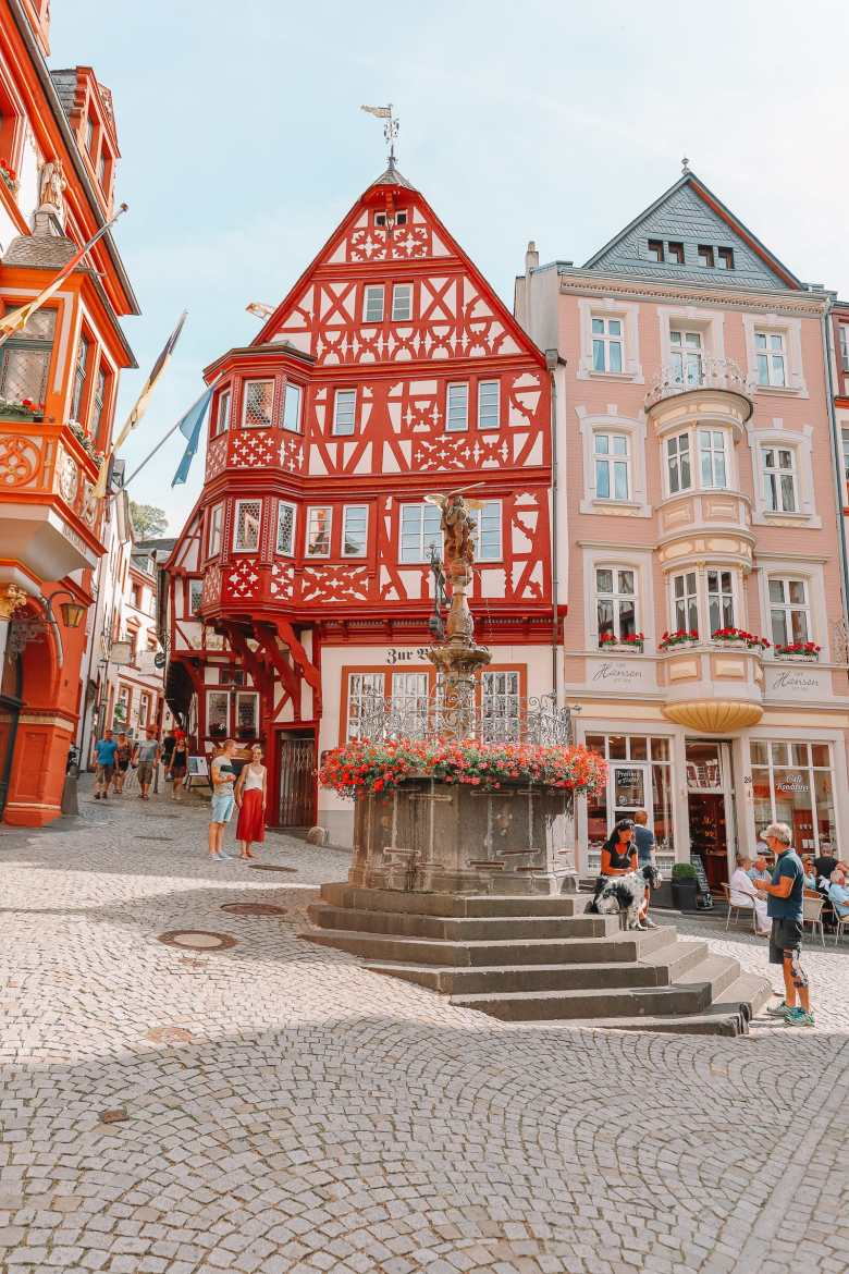 The Incredible Moselle Loop And Beautiful Town Of Bernkastel Kues In Germany (21)