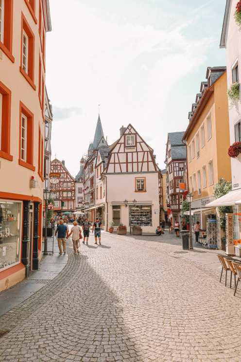 The Incredible Moselle Loop And Beautiful Town Of Bernkastel Kues In Germany (34)