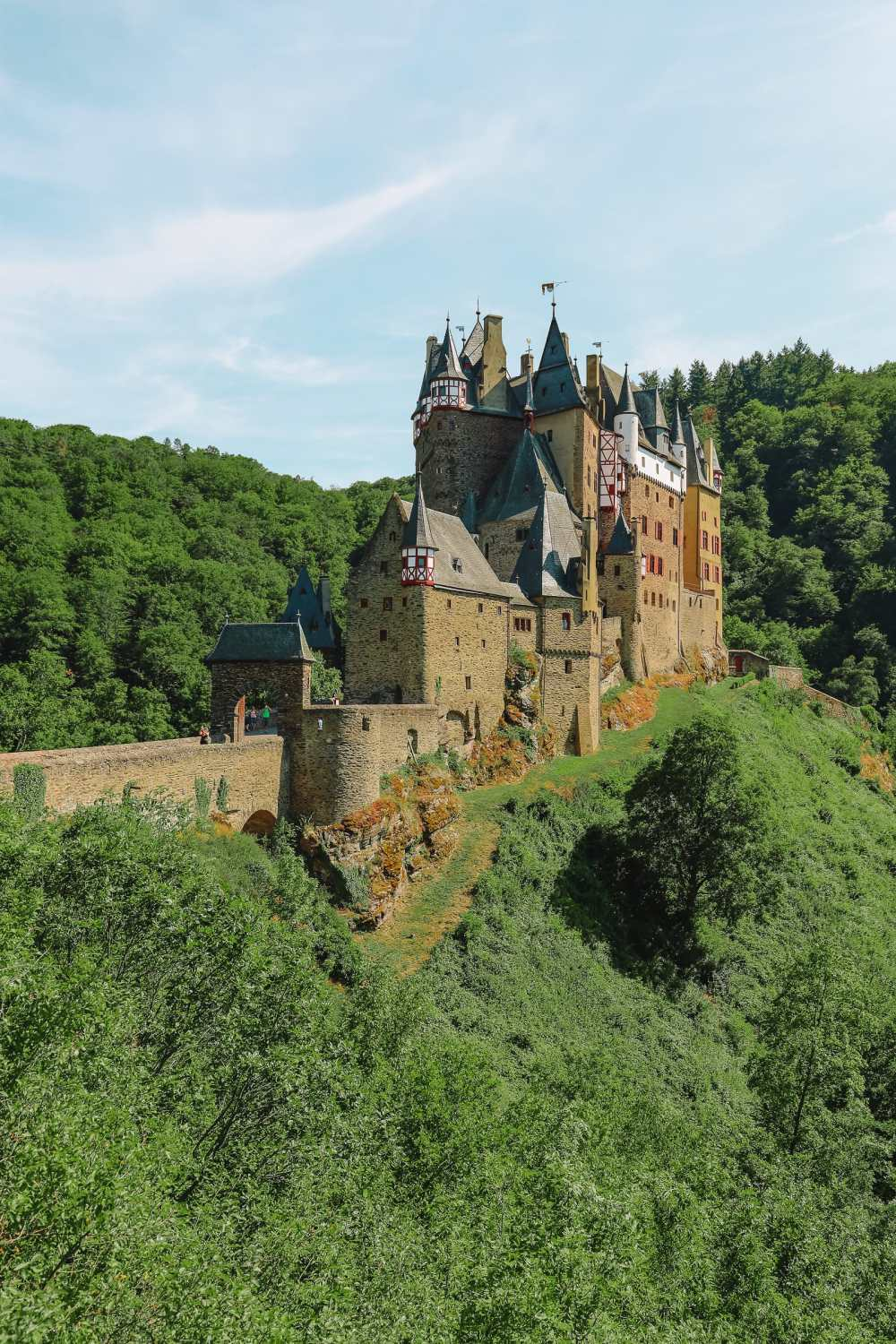 The Gorgeous Little Town Of Beilstein and The Amazing Eltz Castle In Germany (35)