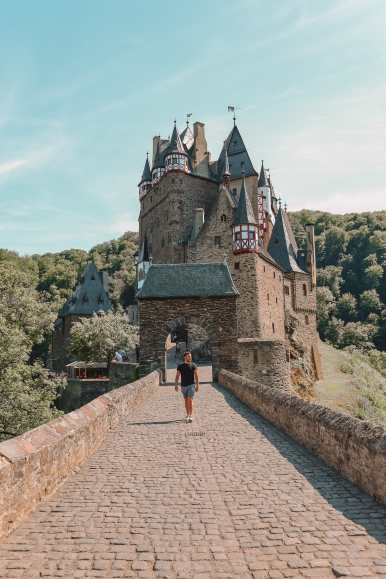 The Gorgeous Little Town Of Beilstein and The Amazing Eltz Castle In Germany (36)