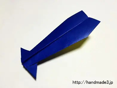 折り紙でイカ飛行機を折った