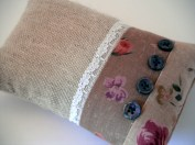 Brooch pillow