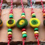 Разноцветни мартеници за ръка от жива вълна