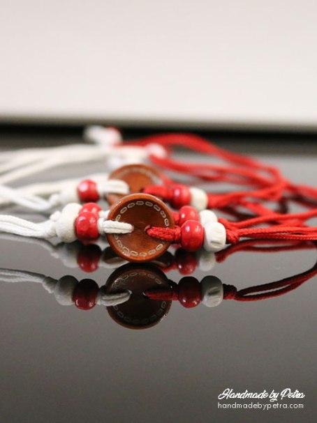 Мартеница за ръка с кафяво копче за мъже - handmadebypetra.com