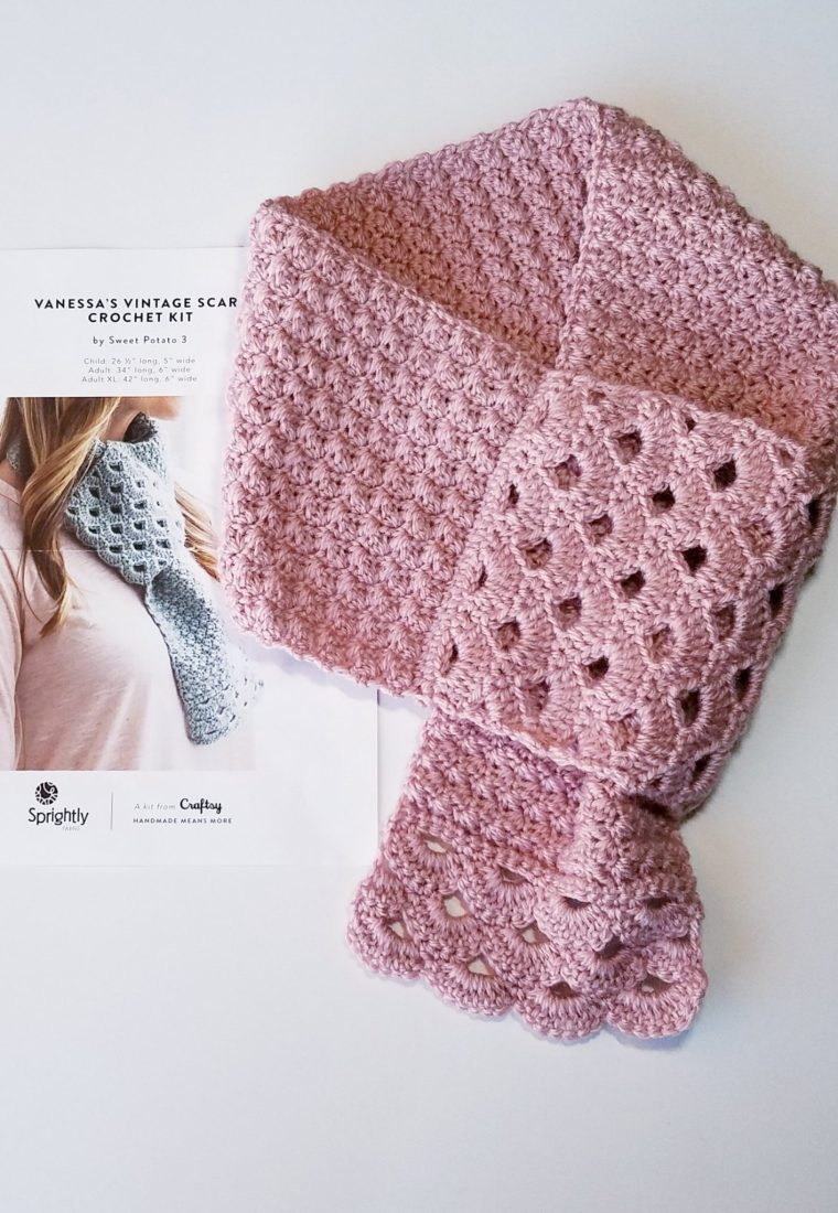 Unboxing Craftsy Crochet Scarf Kit