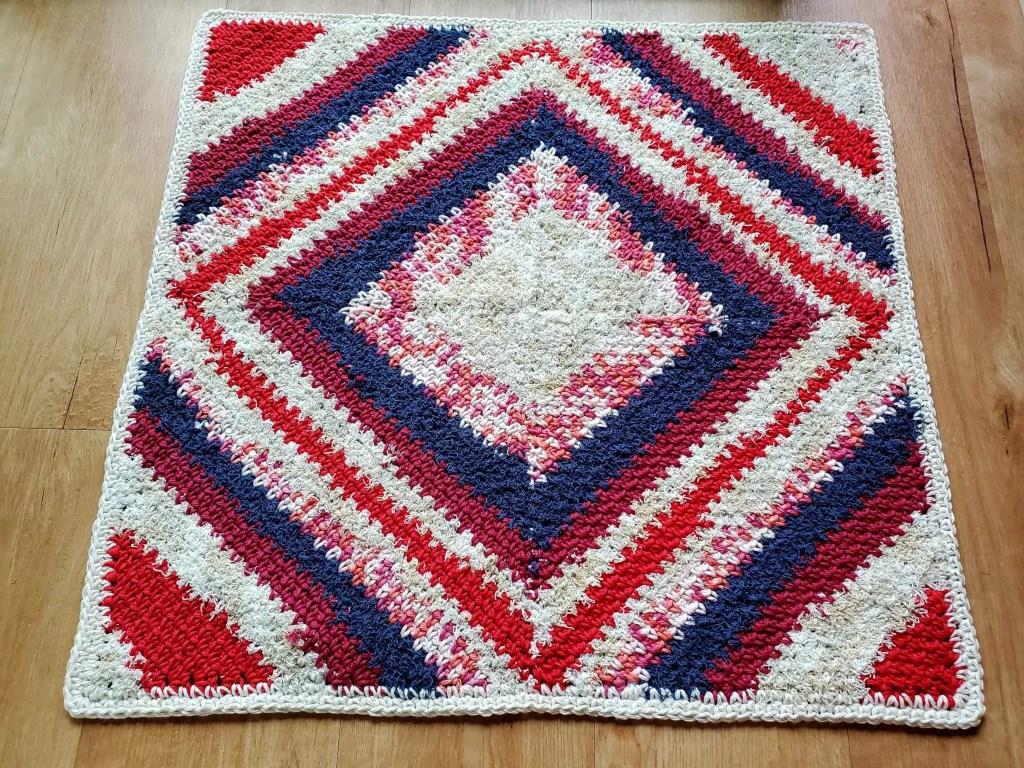 How to crochet C2C square rug - HandmadebyRaine