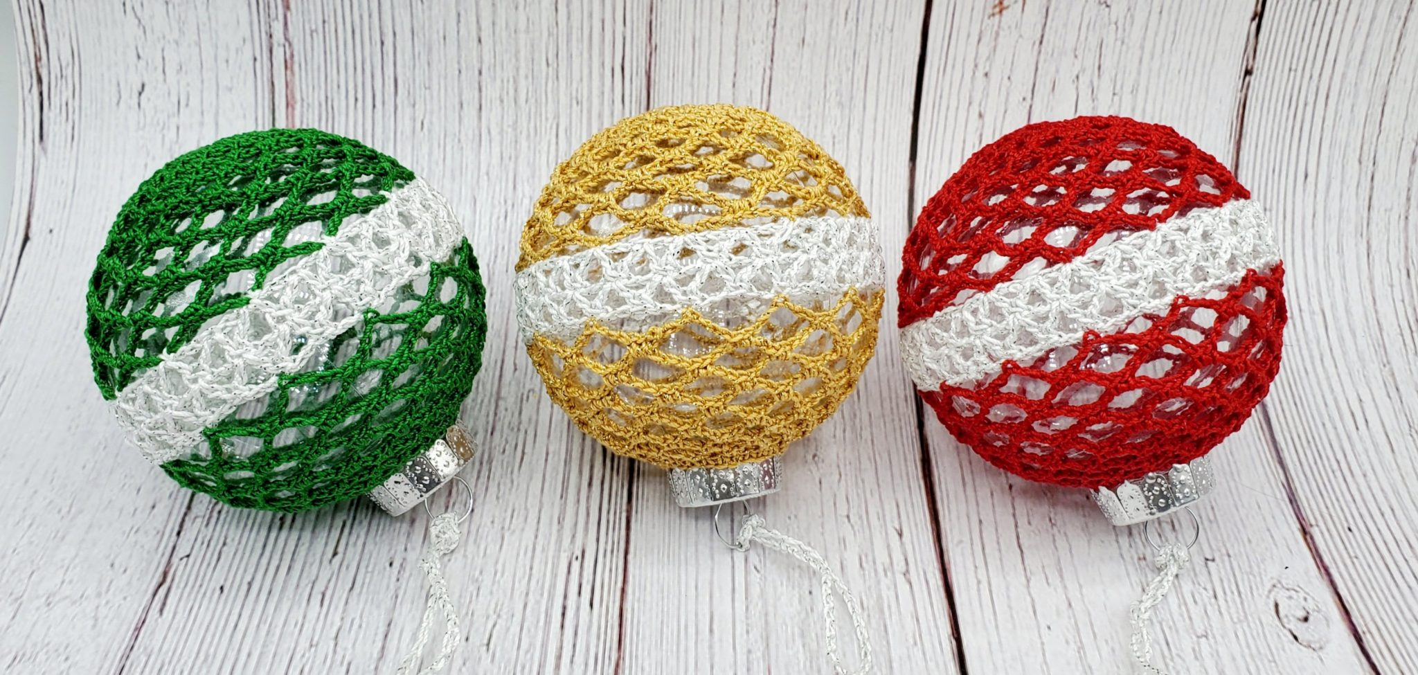 How to crochet Classic Christmas Ornament