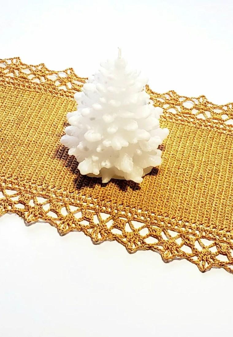 How to crochet Festive Table Runner