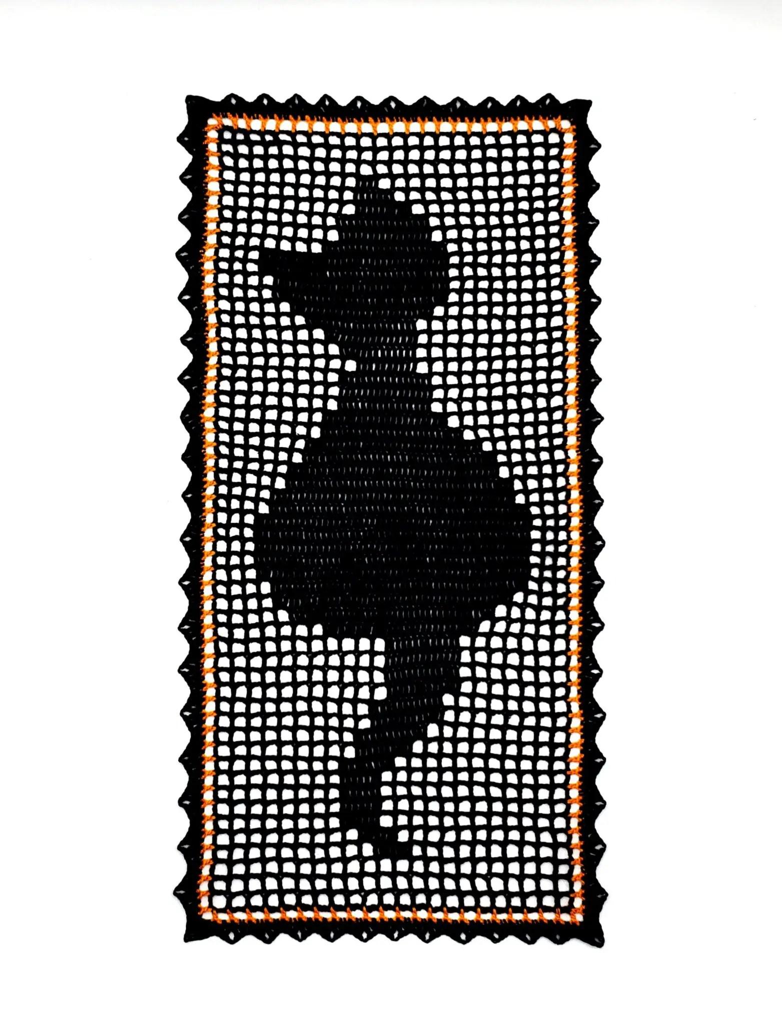 How to crochet Black Cat Table Runner