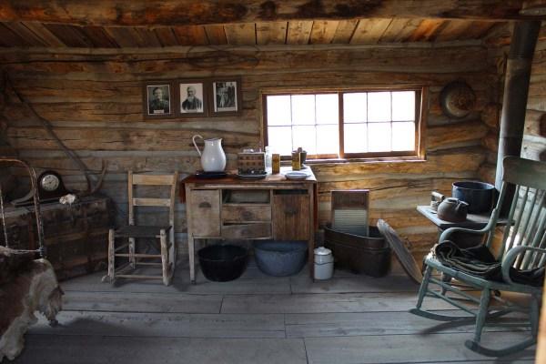 Beauty Of Aged Wood - Handmade Houses. With Noah Bradley