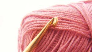 かぎ針編みの基本を楽しみながら学べて力加減も身につくおすすめの方法とは?