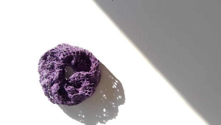 ありそうでなかった大人可愛い小ぶりのレース編みシュシュ!作り方を大公開♪