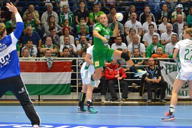 Mónika Kovacsicz face à Kari Aalvik Grimsbö.