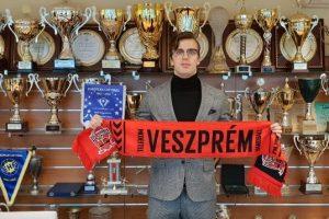 Pawel Paczkowski en prêt à Veszprém