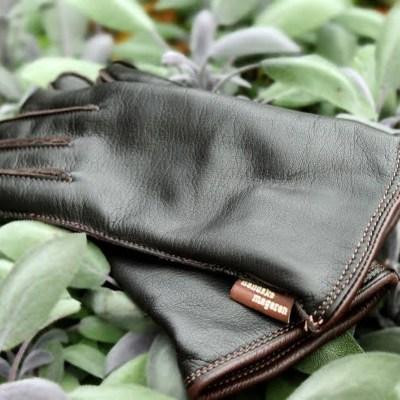 Handsker med lysere brun kant
