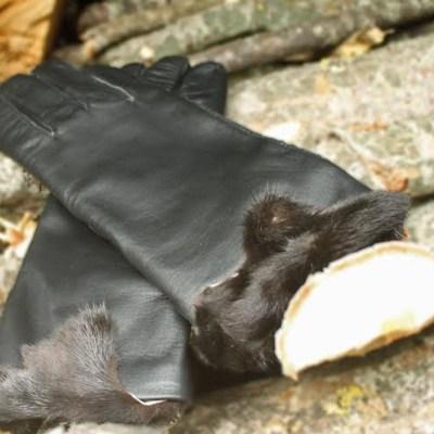 Handsker med minkdetalje