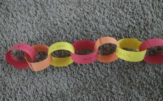 Practice pattern making with different colors when you make your thankful chain for Thanksgiving!