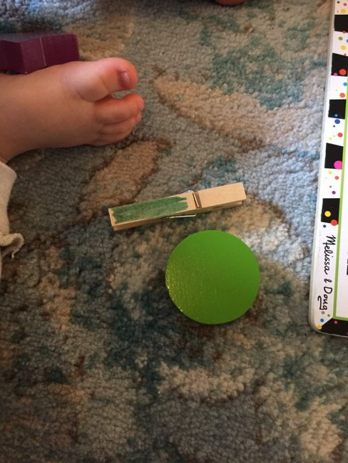 Learn colors with this fun hands on game for toddlers!
