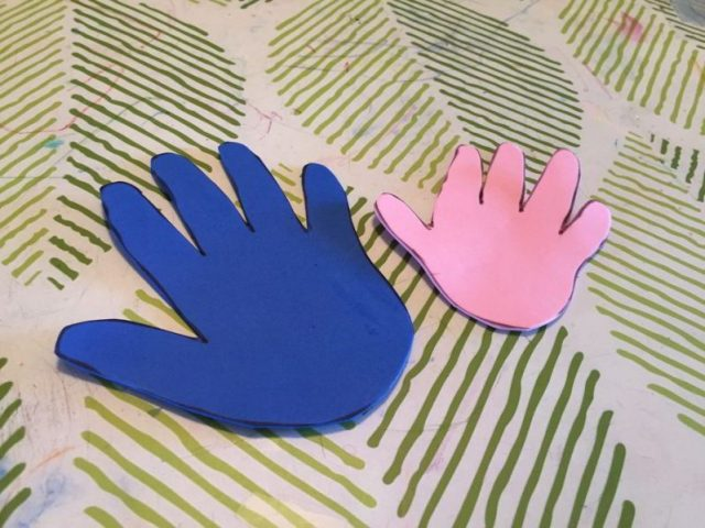 Looking for a sweet and simple Father's Day craft? Make these easy hand print magnets for Father's Day!