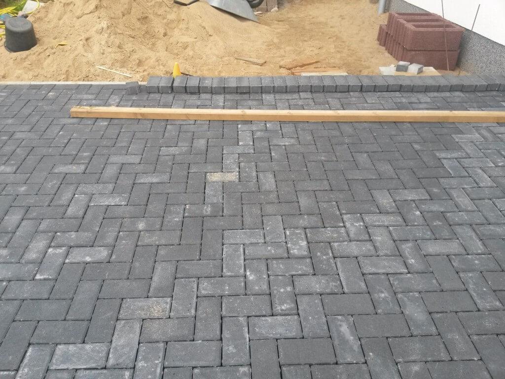 pflastersteine auf beton kleben mauersteine kleben gerwing pflastersteine terrassenplatten fa r