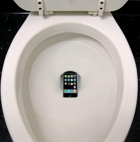 iPhone im Klo