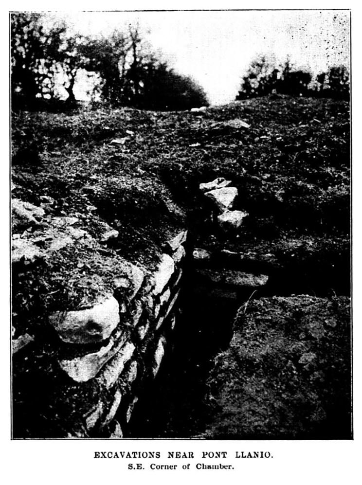 Cloddiadau ger Pont Llanio De Ddwyrain Cornel y Siambr