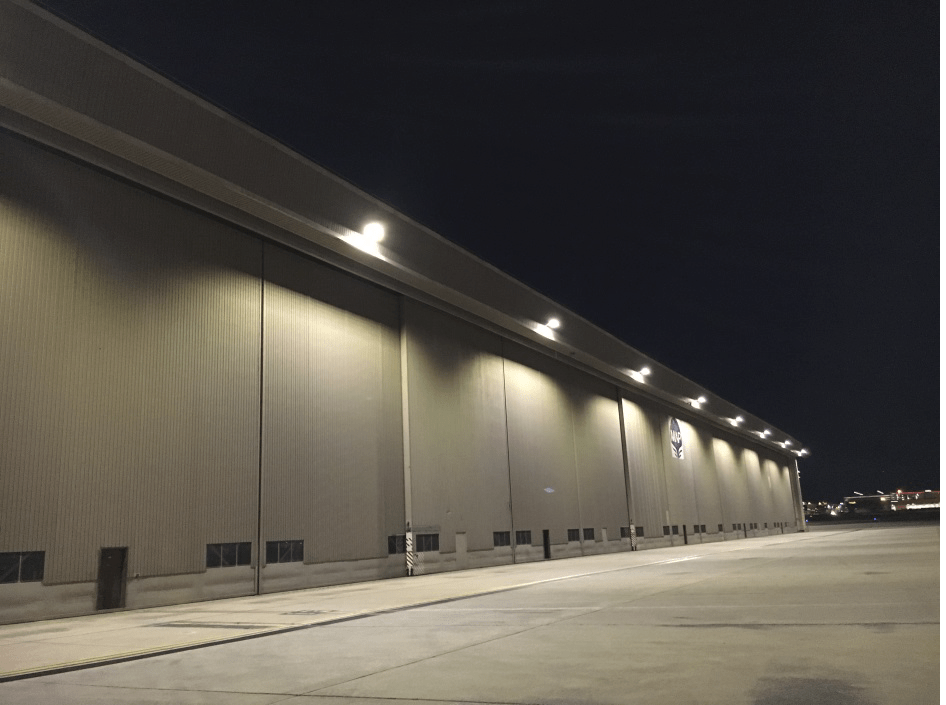 LED Hangar Apron Lights