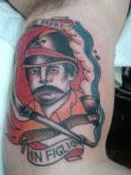 pompiere tatoo. di pare in figlio